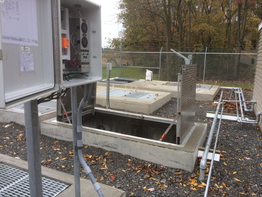 Commercial Septic System-Des Moines Septic Tank Services, Installation, & Repairs-We offer Septic Service & Repairs, Septic Tank Installations, Septic Tank Cleaning, Commercial, Septic System, Drain Cleaning, Line Snaking, Portable Toilet, Grease Trap Pumping & Cleaning, Septic Tank Pumping, Sewage Pump, Sewer Line Repair, Septic Tank Replacement, Septic Maintenance, Sewer Line Replacement, Porta Potty Rentals