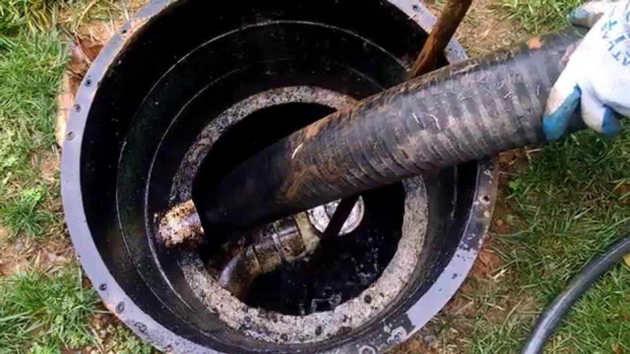 Septic Tank Cleaning-Des Moines Septic Tank Services, Installation, & Repairs-We offer Septic Service & Repairs, Septic Tank Installations, Septic Tank Cleaning, Commercial, Septic System, Drain Cleaning, Line Snaking, Portable Toilet, Grease Trap Pumping & Cleaning, Septic Tank Pumping, Sewage Pump, Sewer Line Repair, Septic Tank Replacement, Septic Maintenance, Sewer Line Replacement, Porta Potty Rentals