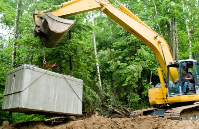 Norwalk-Des Moines Septic Tank Services, Installation, & Repairs-We offer Septic Service & Repairs, Septic Tank Installations, Septic Tank Cleaning, Commercial, Septic System, Drain Cleaning, Line Snaking, Portable Toilet, Grease Trap Pumping & Cleaning, Septic Tank Pumping, Sewage Pump, Sewer Line Repair, Septic Tank Replacement, Septic Maintenance, Sewer Line Replacement, Porta Potty Rentals